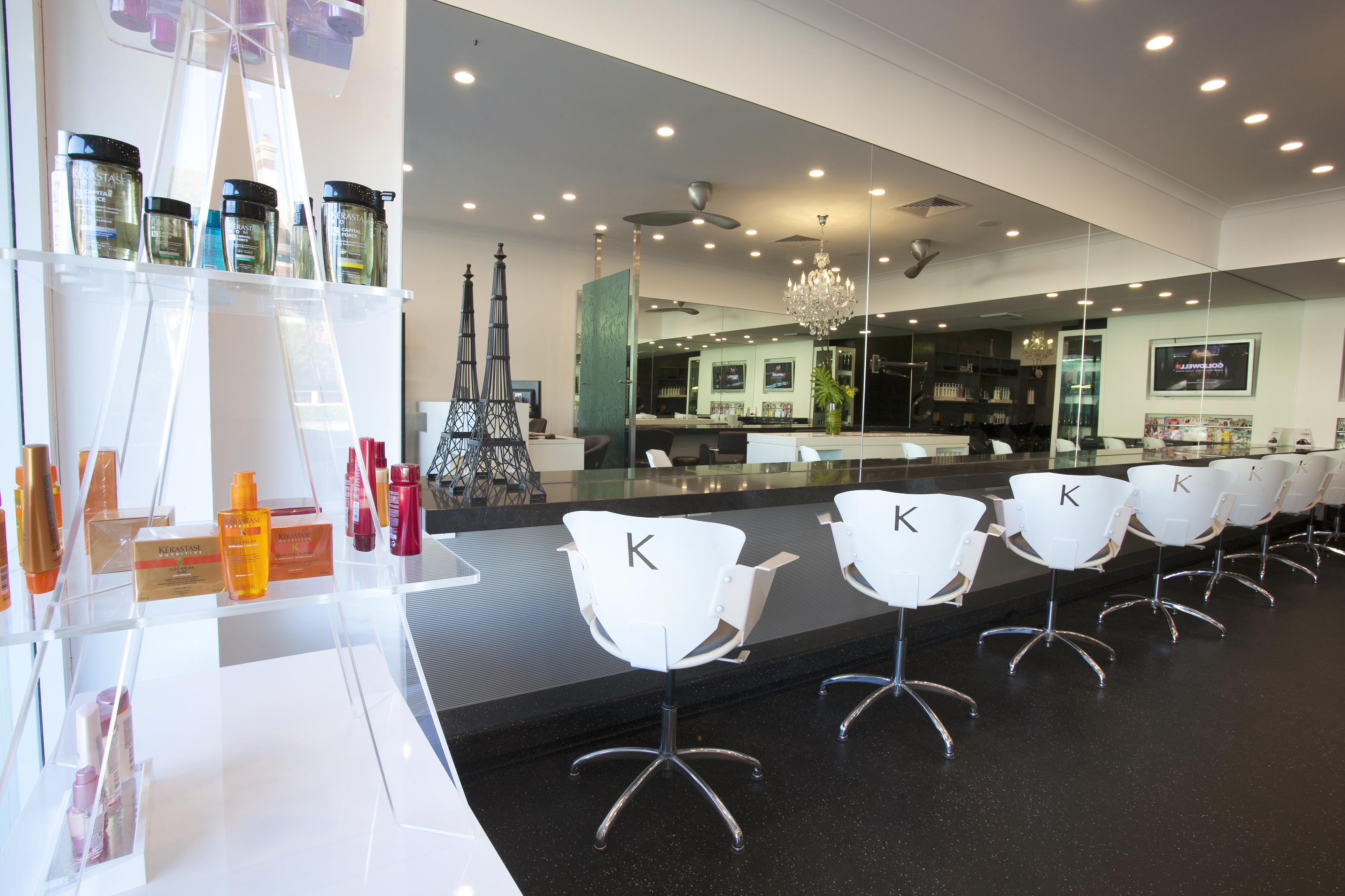 Afro hair salons paris france black hair studio in paris for Hair salon paris france