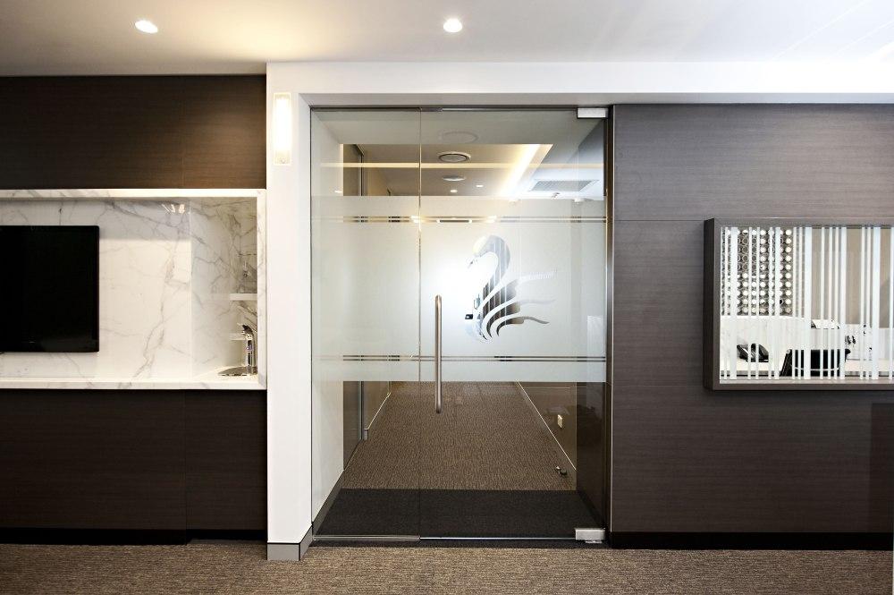1.-Corridor-Entrance